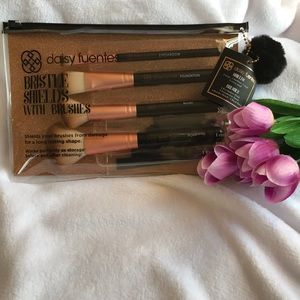 Daisy Fuentes Makeup - Daisy Fuentes Makeup Brushes New 🌸
